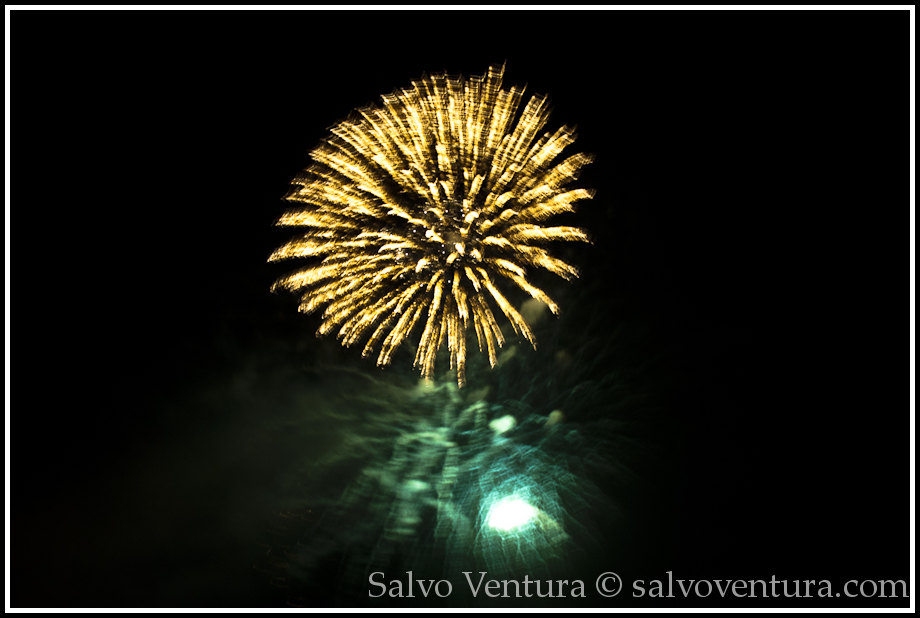 4th_july_fireworks_shoreline_mountain_view_7891